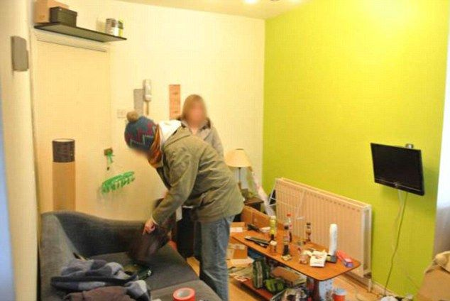 This flat is offered furnished, depending on which items the burglars leave behind.
