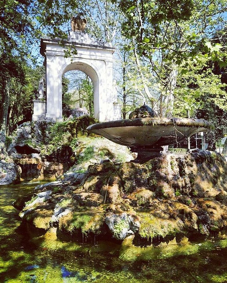 #fountainsrome #villaborghese #rome #rom #svenskguiderom #tourguiderik http://www.tourguiderik.com/sv/blog/article/topp-10-fontaener-rom/