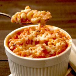 Tomato soup mac & cheese - simple and looks delicious!