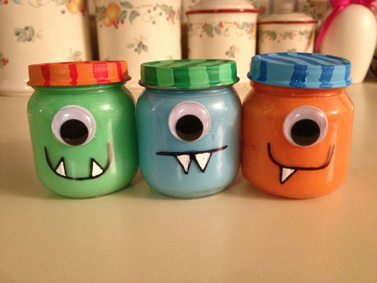 Little monster 1st birthday party! Made these cute little monster decorations from baby food jars.(: