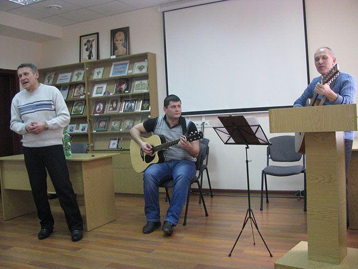 Учасники гурту «ЛіГос»  —  Артур Савран, Сергій Панасенко та Олександр Крюков.