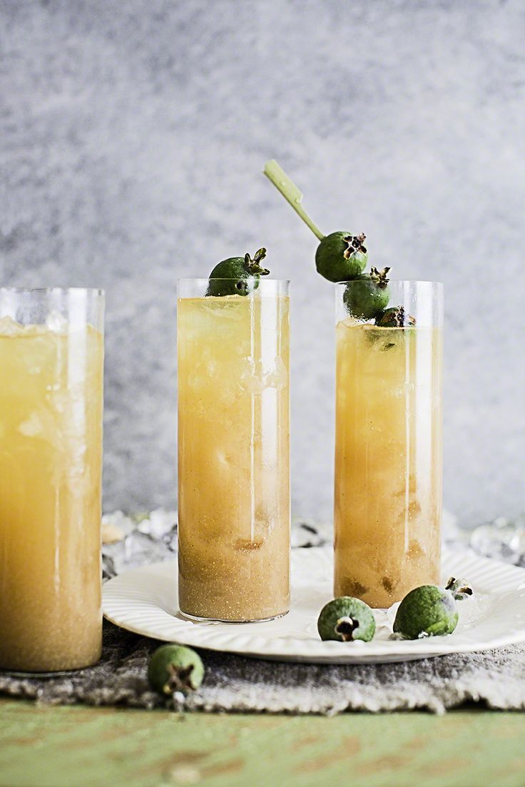Whisky & feijoa iced tea cocktail