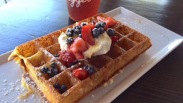 Brunch is practically a blood sport in LA. Everyone has their favorite spot for Bloody Marys and fluffy French toast, big breakfast tacos and buttermilk biscuits and gravy, or even healthy grain bowls and cold-pressed juices. And no one ever said brunch had to be on the weekend — in this ...