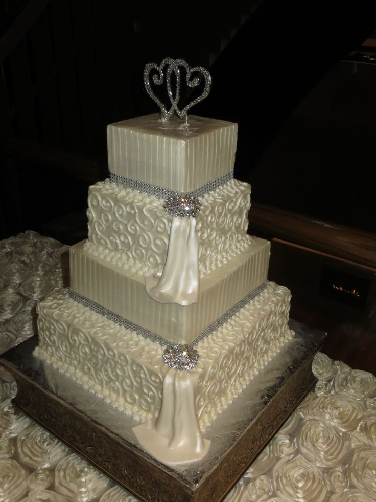 square shaped wedding cakes 17 best ideas about ivory square wedding cakes on 20367