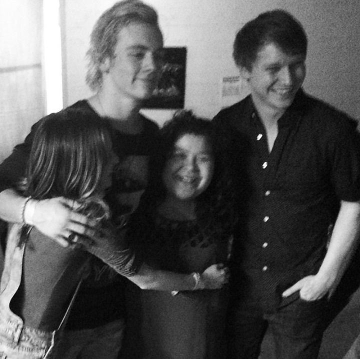 THE HEIGHT IS PERFECT AND SO IS ROSS'S HAIR
