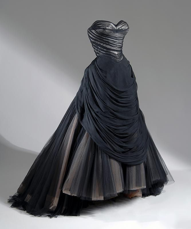 Charles James, Ball Dress, 1954-1955, Fashion Institute of Technology, New York