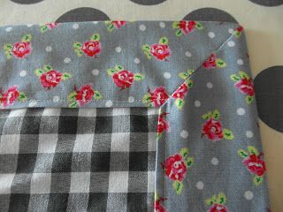 Description to make your own lovely tablecloth! Happy sewing!