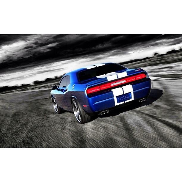 Flying High Dodge Challenger Srt8