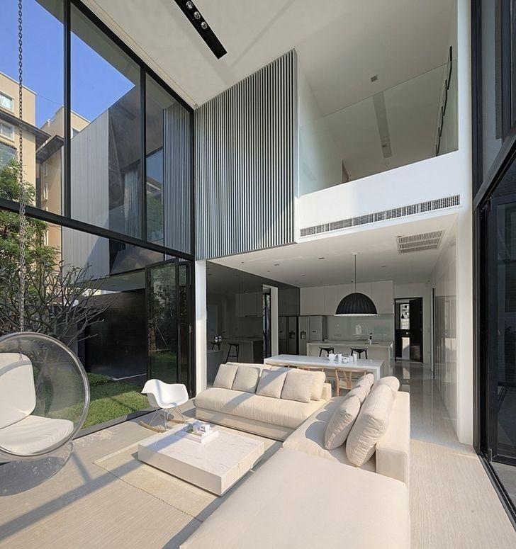 Modern mansion in Singapore