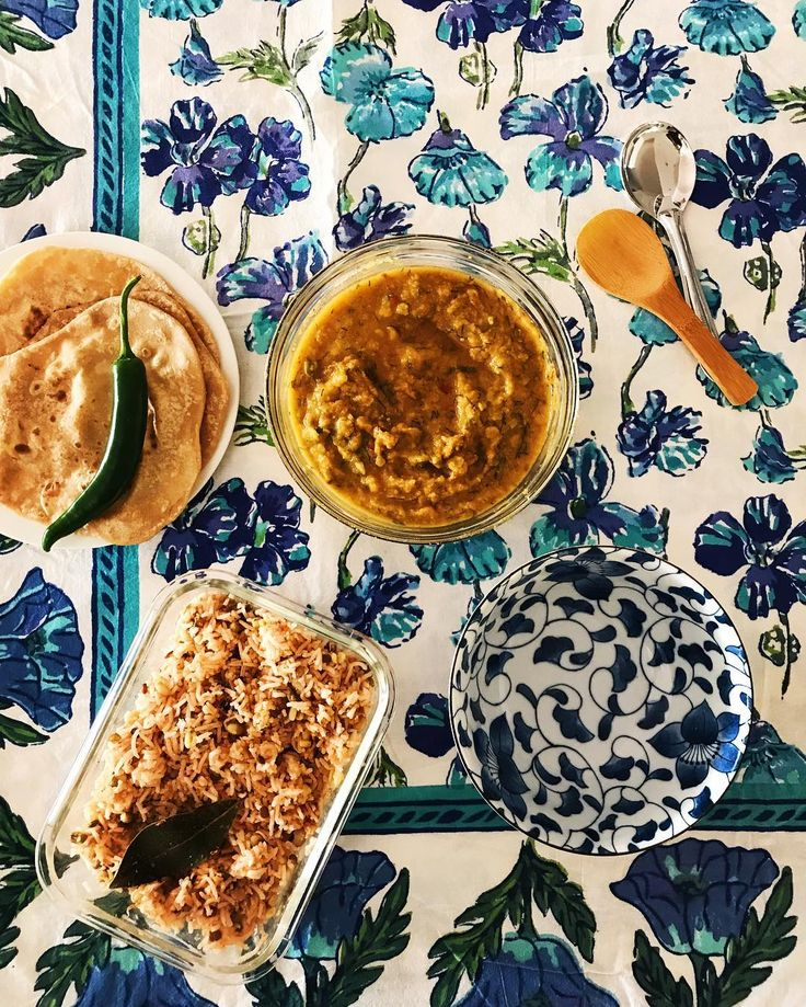 Is there anything better than your mama arriving at the door with your favourite dal and rice freshly cooked for dinner?  Food cooked with love can cure everything in tough times .... just like the kindness of friends.  Asha @foodfashionparty between you and my mum you made my day today   #spicemama #indian #food #indianfood #homecooking #comfortfood #perthfood #indianfoodbloggers #heresmyfood #saveur #huffposttaste #gloobyfood #goodfoodindia #meatfree #meatlessmonday #healthyeating…