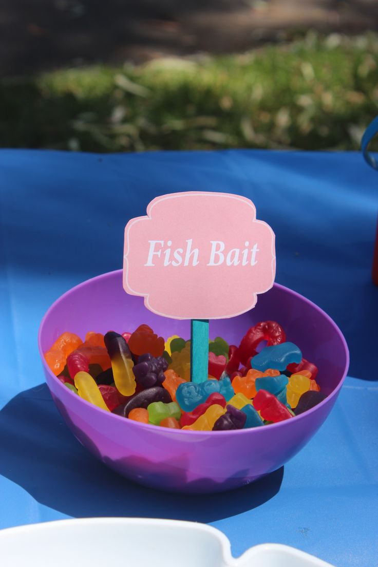 Play on Words - Fish bait - gummy worms