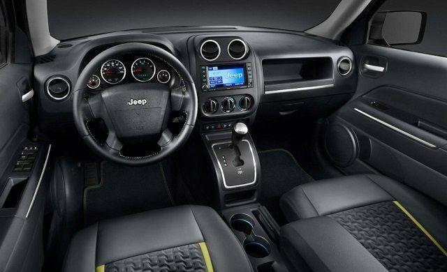 2014 Jeep Cherokee Latitude Interior