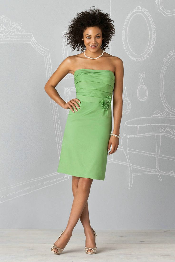 Tea-Length-Short-Green-Bridesmaid-Dress
