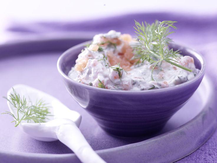 Schmeckt super auf Brot: Räucherlachs-Käse-Creme mit Dill und Meerrettich - smarter - Kalorien: 62 Kcal - Zeit: 15 Min. | http://eatsmarter.de/rezepte/raeucherlachs-kaese-creme