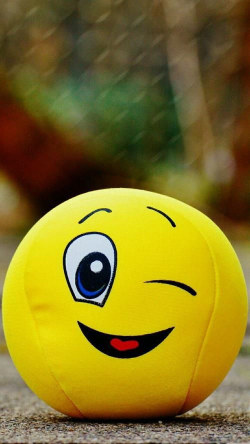 Pin By Spring Smile On Wallpaper Whatsapp Profile Picture Smile Wallpaper Emoji Wallpaper