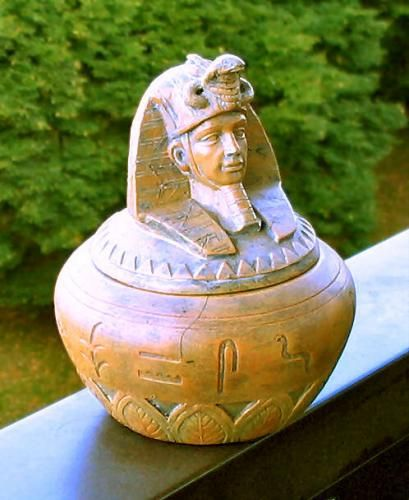 #JewelArts #Handicrafts #Arts World's Most Valuable Antique Finds. In 2009, an ancient Egyptian Canoptic jar was taken for valuation by someone who had been using it as a garden plant-pot in Dorset, UK. The jar was designed to hold the liver of the dead as part of the mummification process and was thought to date from 1550-1069 BC.