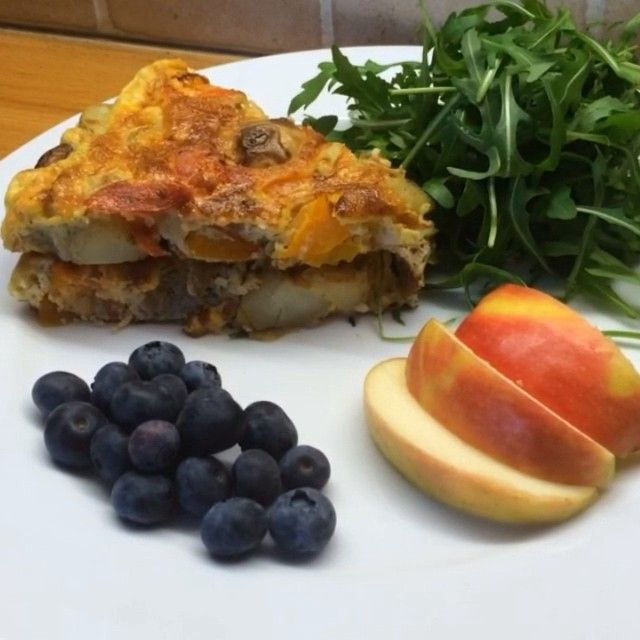 The Body Coach: Mushroom, new potato & chorizo frittata. This a banging little breakfast which you can make in under 15 minutes & store in the fridge for 2-3 days as well! Thats what I call #Leanin15 win!