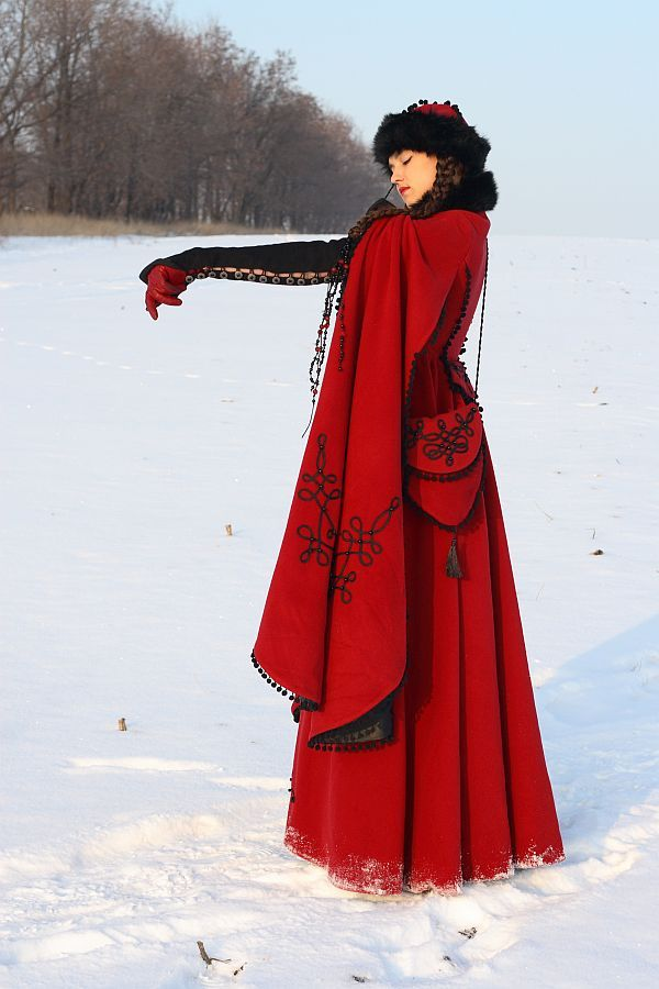 Queen of Shemakhan Wool Coat - medieval renaissance cloak cape. so cool!!