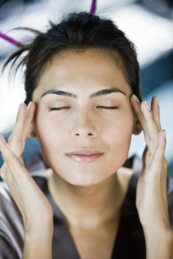 Thuis ontspannen met een gezichtsmassage