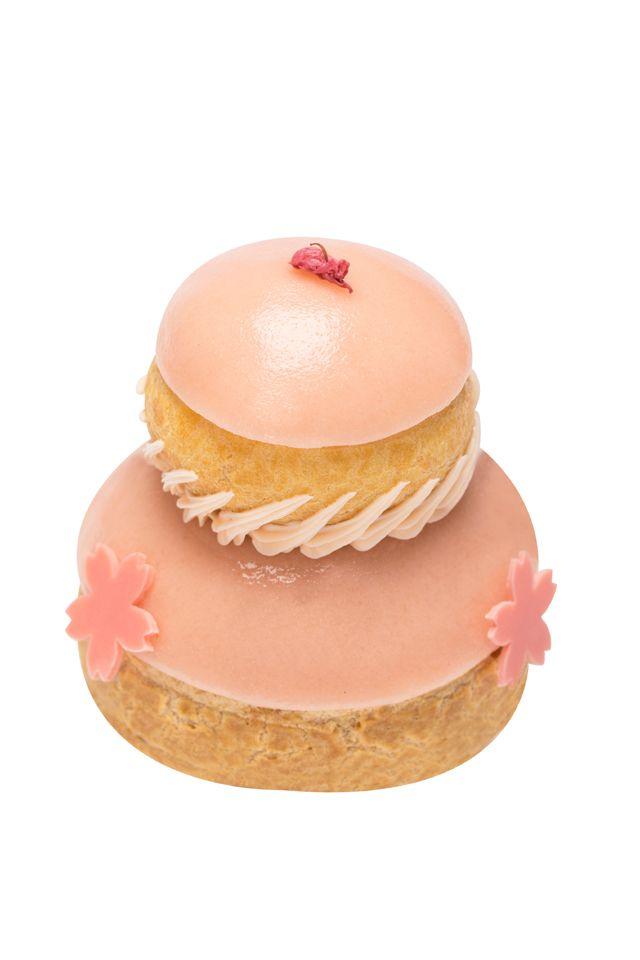 春をさらにハッピーにラデュレのサクラマカロンシューケーキ