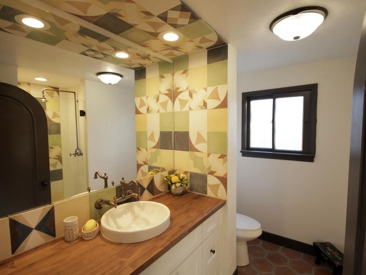 Jessie And Tina Rodriguez Know That When It Comes To Homes You Can T Manufacture Vintage Charm But You Can Sell It Hgtv Vintage House Bathroom Inspiration