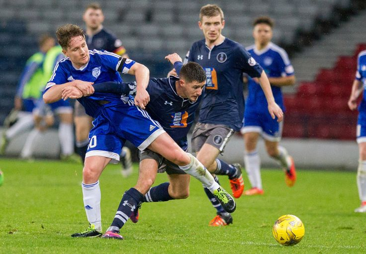 Peterhead's Simon Ferry in action during the Ladbrokes League One game between Queen's Park and Peterhead