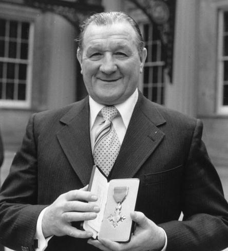 Bob, MBE 1977