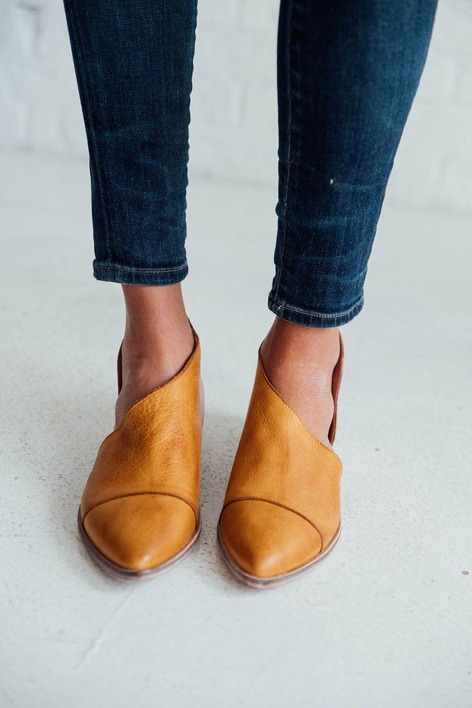 Royal Flats \\  free people, royale, cute flats, mustard, shoes, style, fashion
