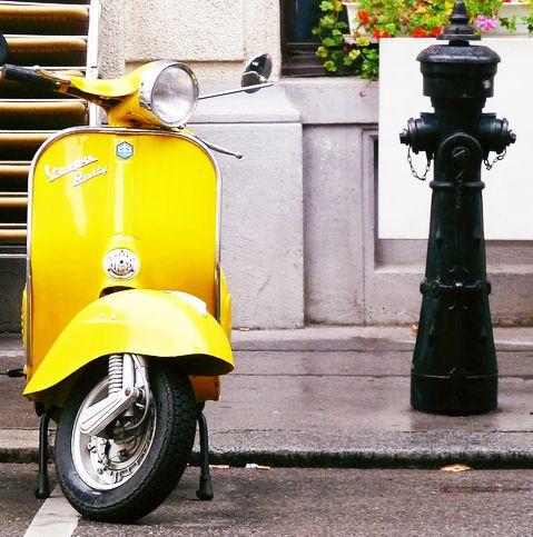 #vespa: Vespas Scooters, Bike, Yellow Wasps, Mellow Yellow, Motors Scooters, Things, Vintage Vespas, Summer Colors, Vespas Style