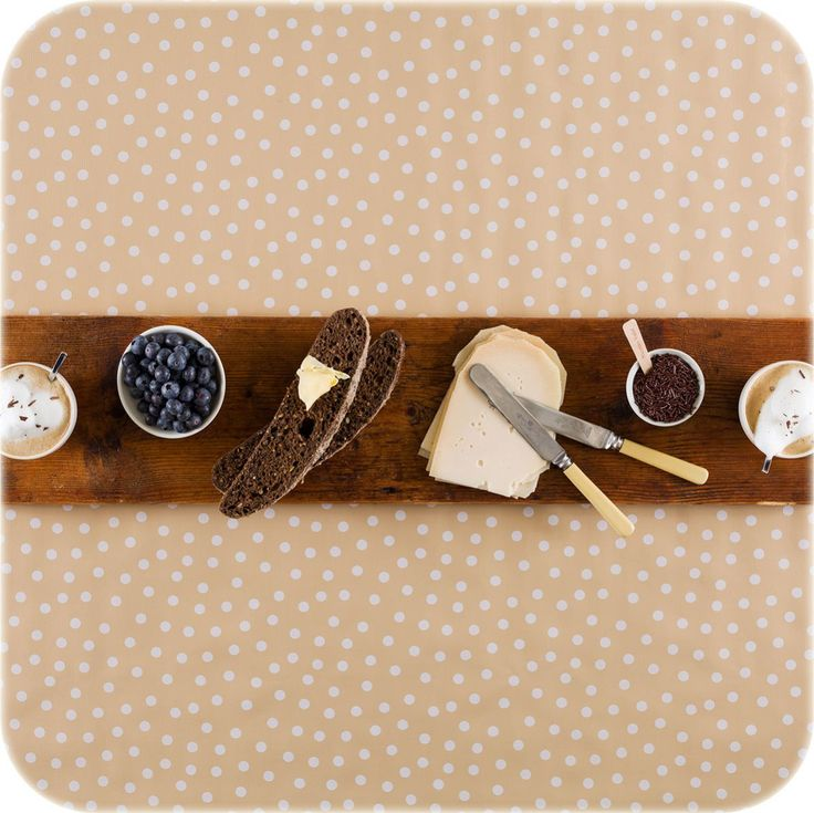 zeil 1,20x3m beige met witte stippen MixMamas, luiertassen, tafelzeil, Slaanse schoenen, bonfim gelukslint