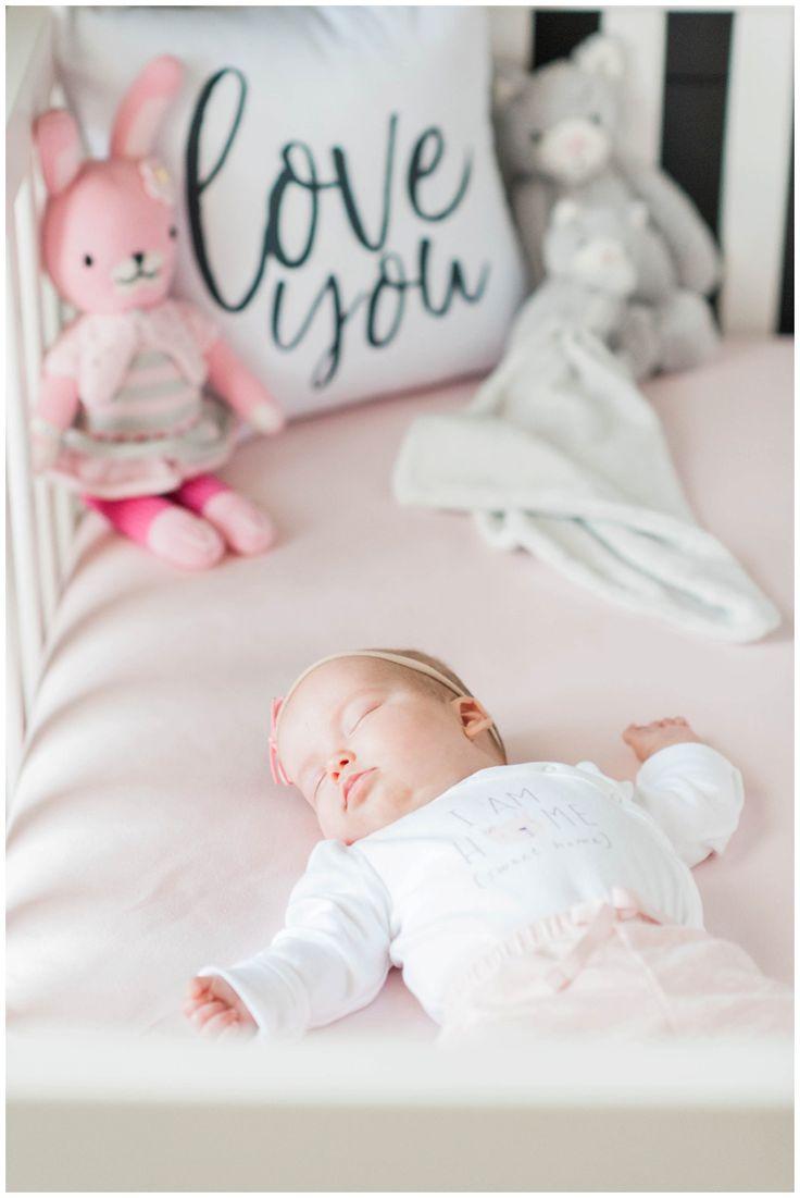 Algonquin Twin Neugeborene Lifestyle Session // Daisy + Madelyn
