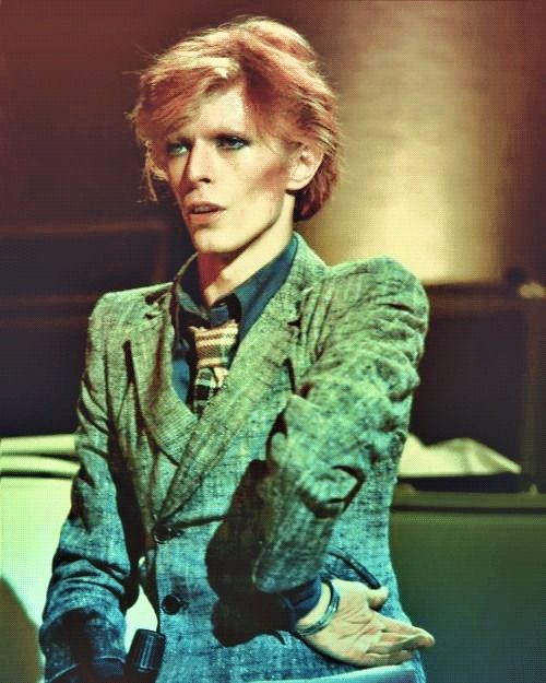 Bowie looking super-glam, ca. Young Americans, 1975 I ...