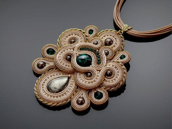 Gold ecru Soutache necklace with emerald crystal. by ANBijou