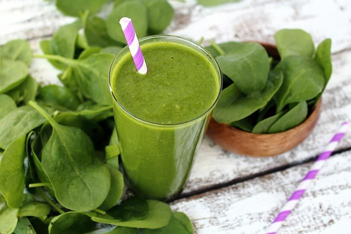 Spinach Smoothie With Pear And Ginger