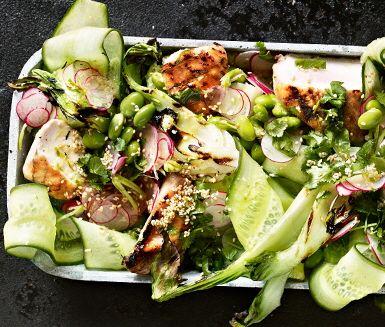 Recept: Grillad asiatisk sallad i nam jim-dressing