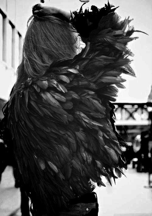 Guy Laroche. Feathers.