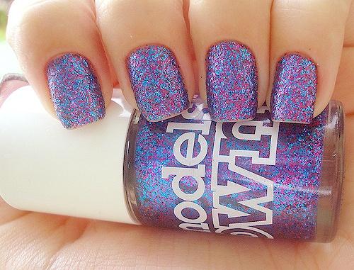 models own nail polish<3