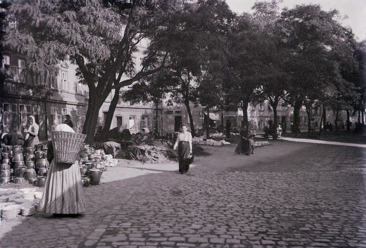 Jan Srp | Kampa Island with Pottery Market, Prague, 1909