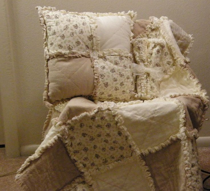 Easy FUN Rag Quilt Pattern...Great way to use scraps. $5.00, via Etsy.