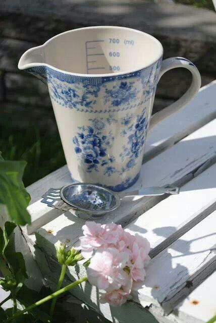 Blue and White - LOVE this measuring cup! :)