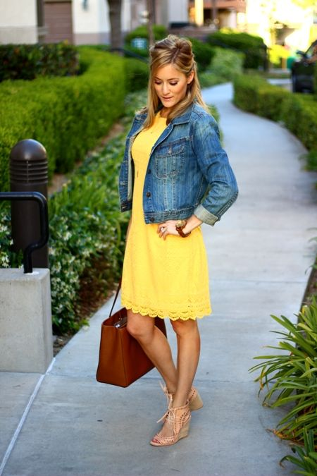 yellow dress ith blue lace