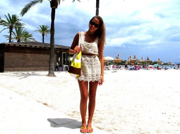 White lace dressWorth Reading, Book Worth, Style Inspiration, White Lace Dresses, Summer Lovin, Kenza Zouiten