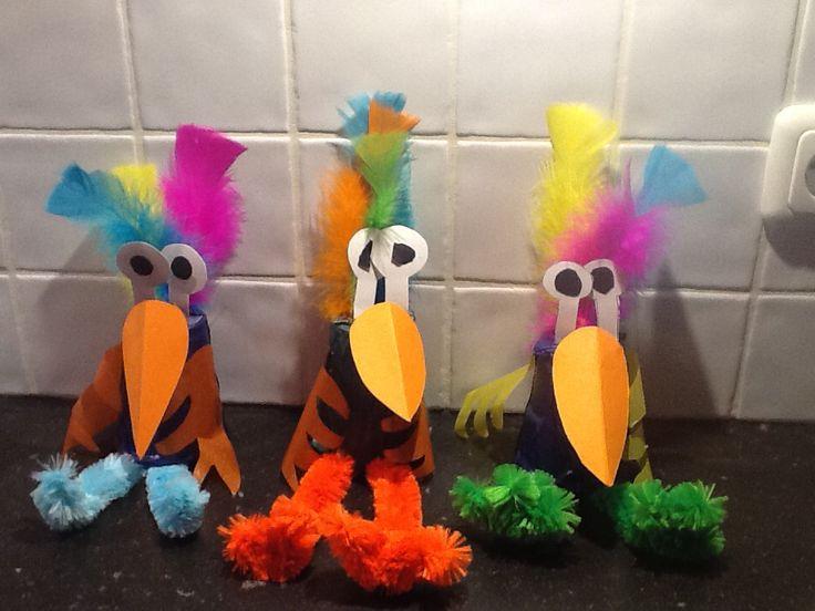 Plastic bekertjes worden grappige vogels