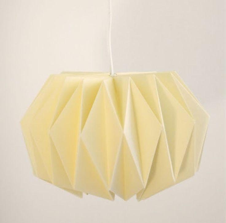 I 90'erne var vi vilde med rislamperne, og her kommer det flotte alternativ til den billige men smarte lampe. Og så kan du endda helt selv styre farve, størrelse og design!