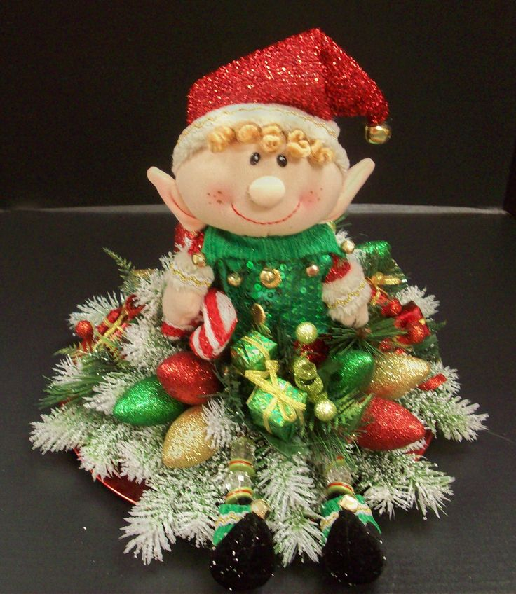 Elf Charger Plate Decor designed by Karen B., A.C. Moore Erie, PA #christmas