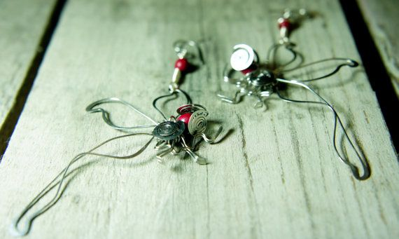 wire wrap stainless steel dragonfly earrings by raizesimaginarias