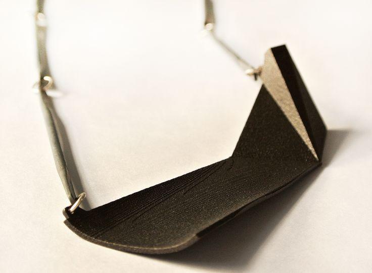 Somboun Phonesouk, boat 2 pendant. www.stanleystreetgallery.com.au