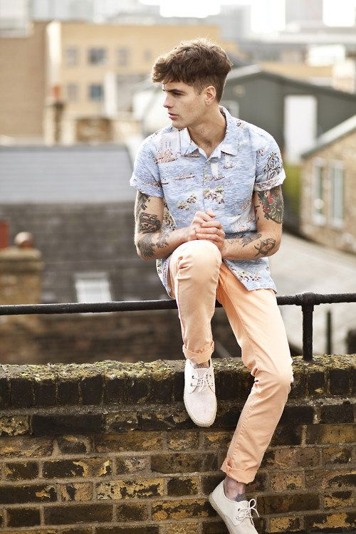 Are those peach pants? In love. Also, wonderful tattoos here.