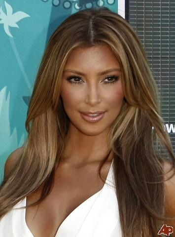 I do believe Kim K looks way hotter as a blonde