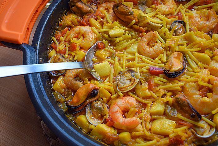 Cazuela De Fideos A La Marinera Con Mucho Sabor Fideos A La Cazuela Recetas De Mariscos Y Pescados Recetas De Comida
